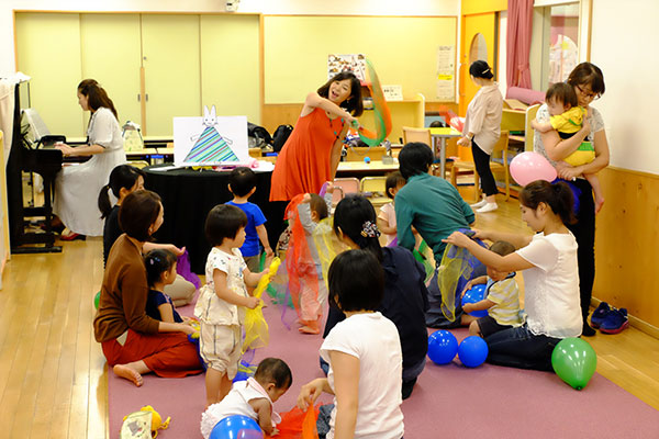 児童館赤ちゃん向けコンサート